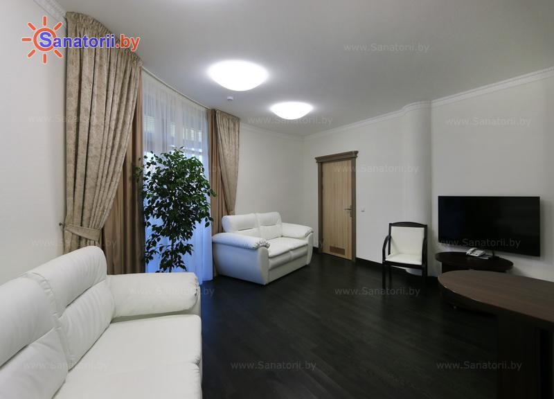 Санатории Белоруссии Беларуси - санаторий Озёрный - трехместный трехкомнатный suite (спальный корпус №7)