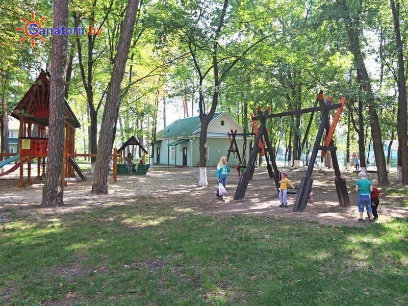 Санатории Белоруссии Беларуси - санаторий Чёнки - Детская площадка
