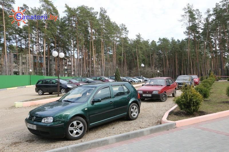 Санатории Белоруссии Беларуси - санаторий Лётцы - Автостоянка