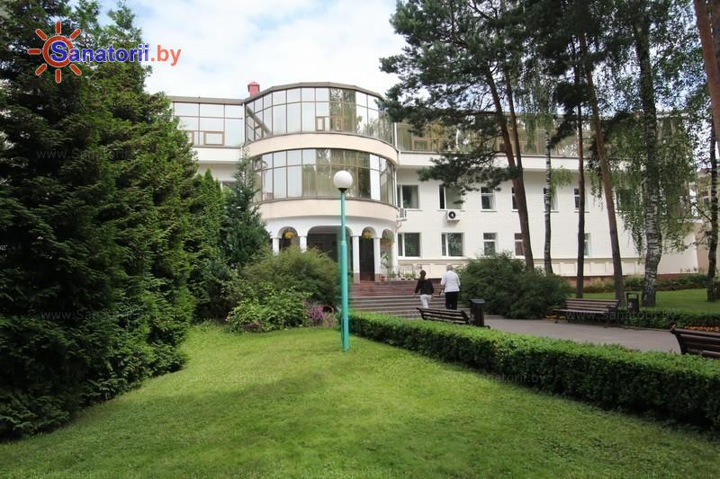 Санатории Белоруссии Беларуси - санаторий Магистральный - Территория и природа