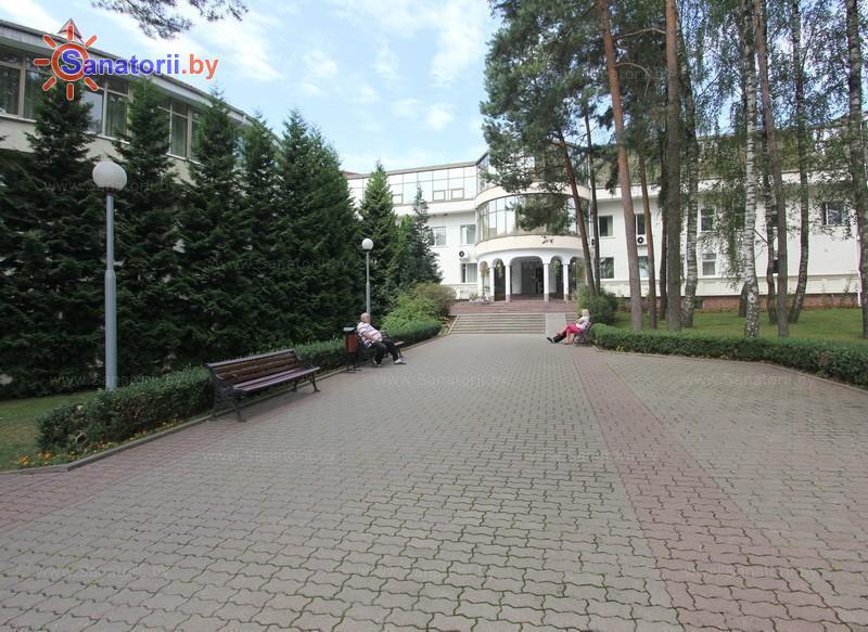 Санатории Белоруссии Беларуси - санаторий Магистральный - административно-лечебный корпус