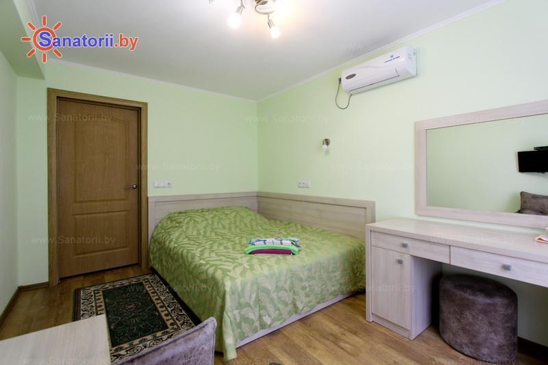 Санатории Белоруссии Беларуси - санаторий Пралеска - двухместный однокомнатный улучшенный (спальный корпус)