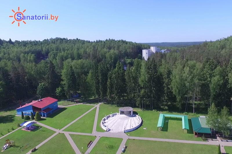 Санатории Белоруссии Беларуси - санаторий Лесное - Танцплощадка летняя