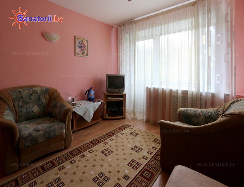Санатории Белоруссии Беларуси - санаторий Пралеска - двухместный двухкомнатный люкс (главный корпус)
