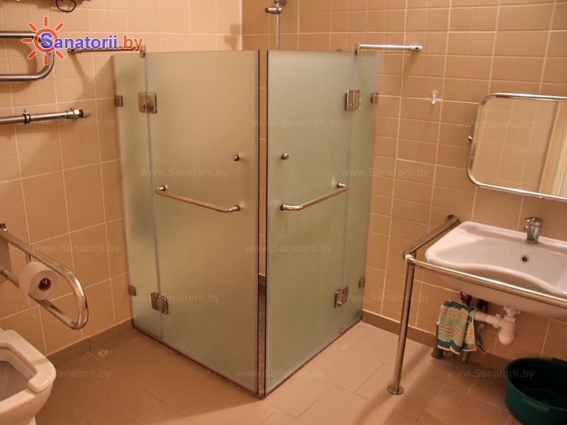 Санатории Белоруссии Беларуси - санаторий Пралеска - двухместный однокомнатный для людей с ограниченными возможностями (спальный корпус)