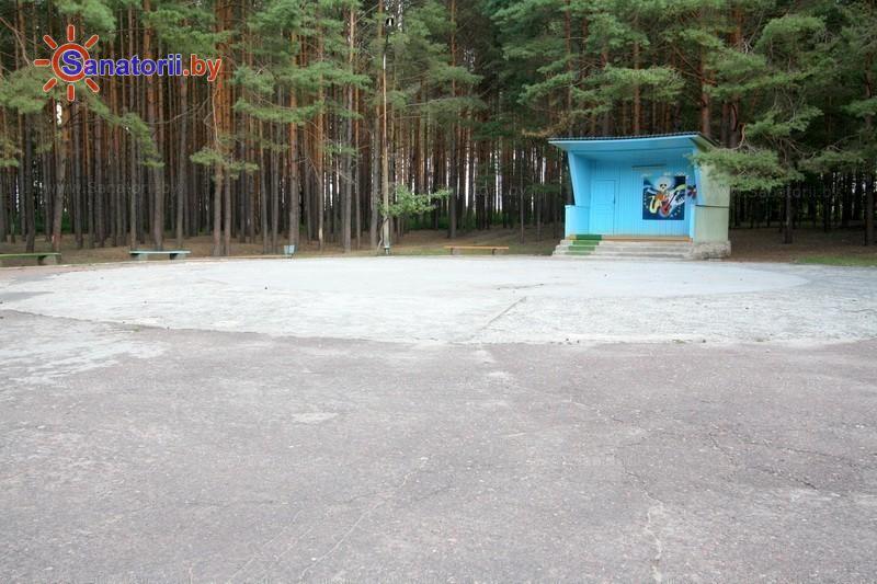 Санатории Белоруссии Беларуси - санаторий Серебряные ключи - Танцплощадка летняя