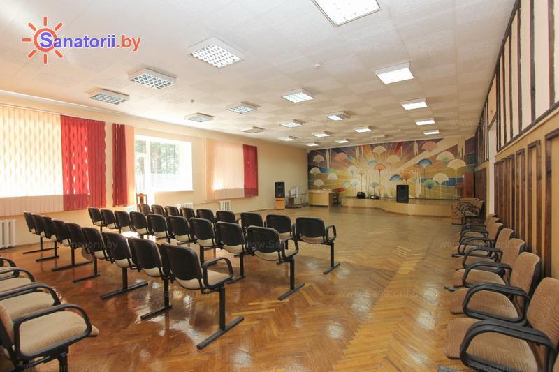 Санатории Белоруссии Беларуси - оздоровительный комплекс Сосновый бор - Танцевальный зал