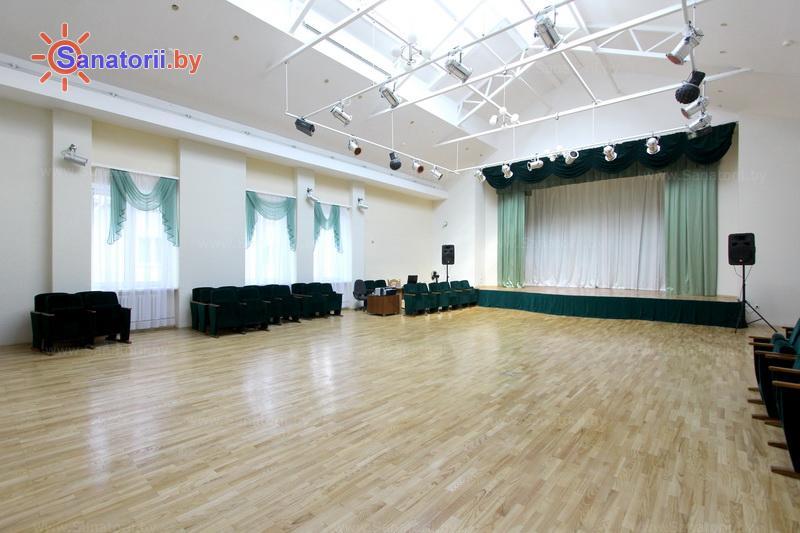 Санатории Белоруссии Беларуси - санаторий Сосны - Танцевальный зал
