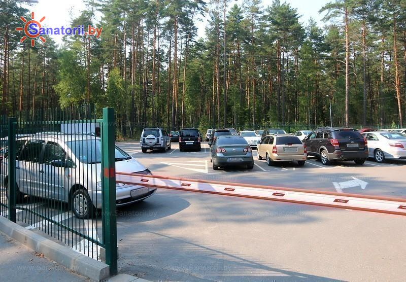 Санатории Белоруссии Беларуси - санаторий Спутник - Автостоянка
