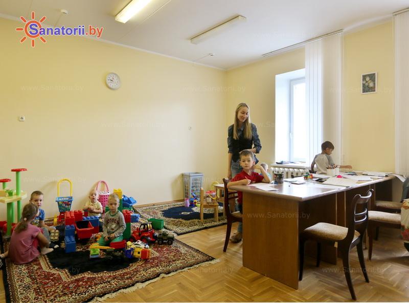 Санатории Белоруссии Беларуси - санаторий Чаборок - Детский воспитатель