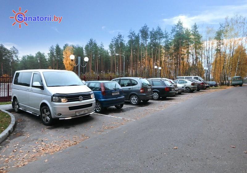 Санатории Белоруссии Беларуси - санаторий Энергетик - Автостоянка
