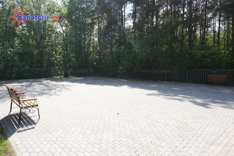 Санатории Белоруссии Беларуси - санаторий Радуга - Танцплощадка летняя