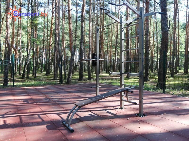 Санатории Белоруссии Беларуси - санаторий Солнечный - Уличные тренажеры