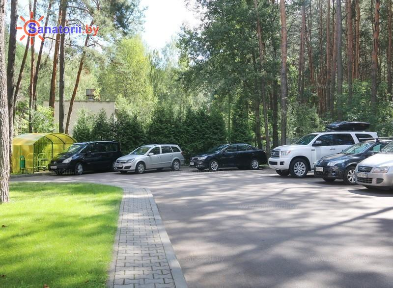 Санатории Белоруссии Беларуси - санаторий Солнечный - Автостоянка
