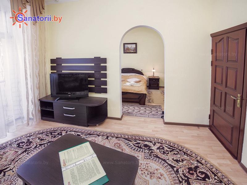 Санатории Белоруссии Беларуси - санаторий Солнечный - одноместный двухкомнатный люкс (главный корпус)
