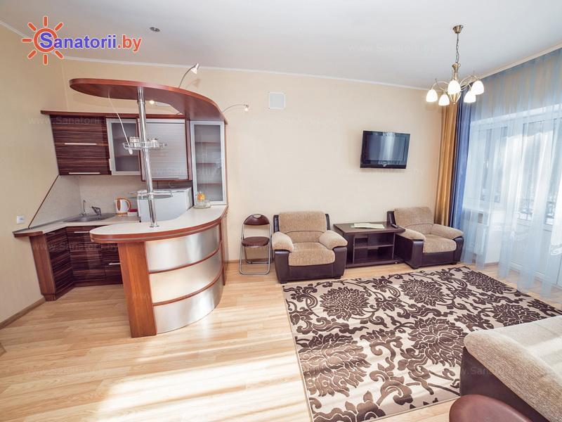 Санатории Белоруссии Беларуси - санаторий Солнечный - двухместные трехкомнатные апартаменты (коттеджи №1-8)