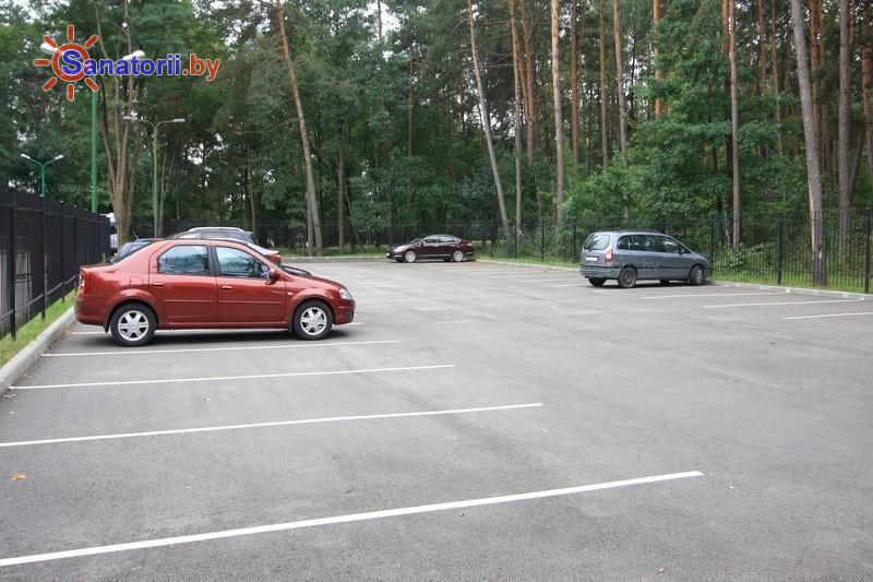 Санатории Белоруссии Беларуси - санаторий Белая вежа - Автостоянка
