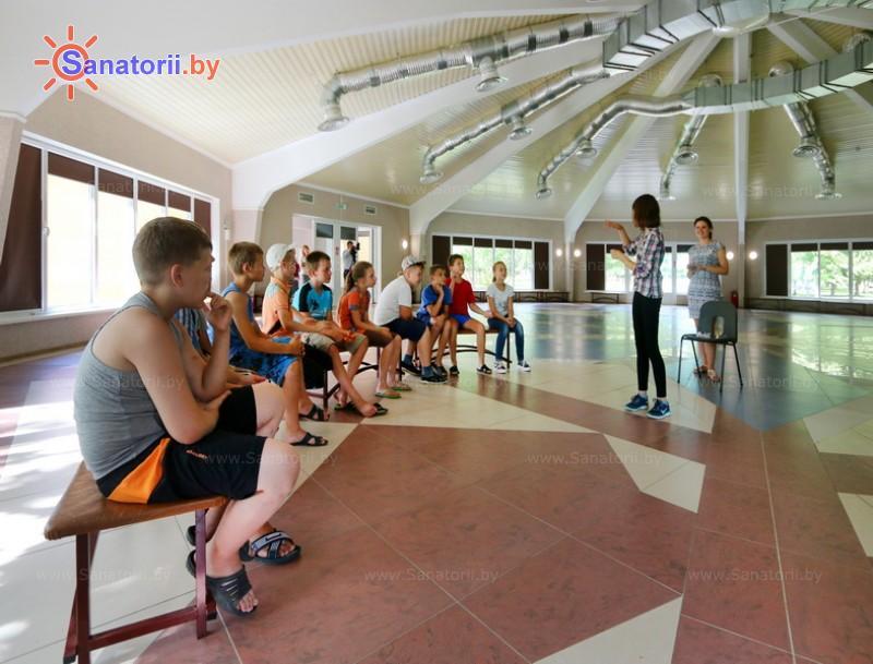 Санатории Белоруссии Беларуси - детский санаторий Случь - Танцевальный зал