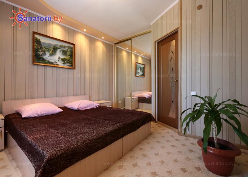 Санатории Белоруссии Беларуси - детский санаторий Росинка - двухместный двухкомнатный (гостиничный корпус)