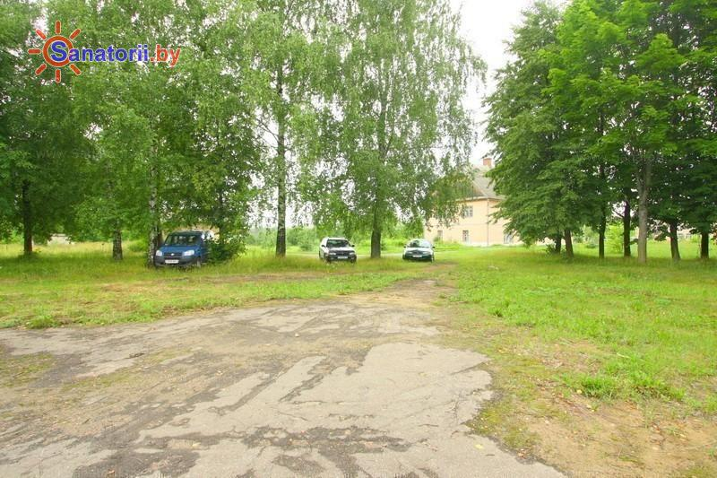 Санатории Белоруссии Беларуси - детский санаторий Свислочь - Парковка