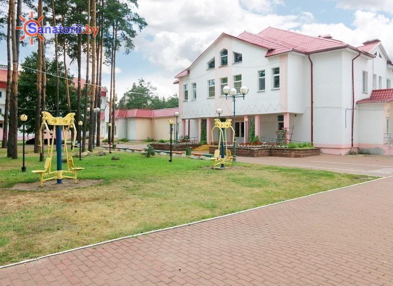 Санатории Белоруссии Беларуси - ДРОЦ Птичь - административно-лечебный корпус