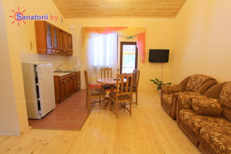 Санатории Белоруссии Беларуси - ДРОЦ Надежда - двухместный двухкомнатный apartament с кухней (гостевые дома №4, 5)