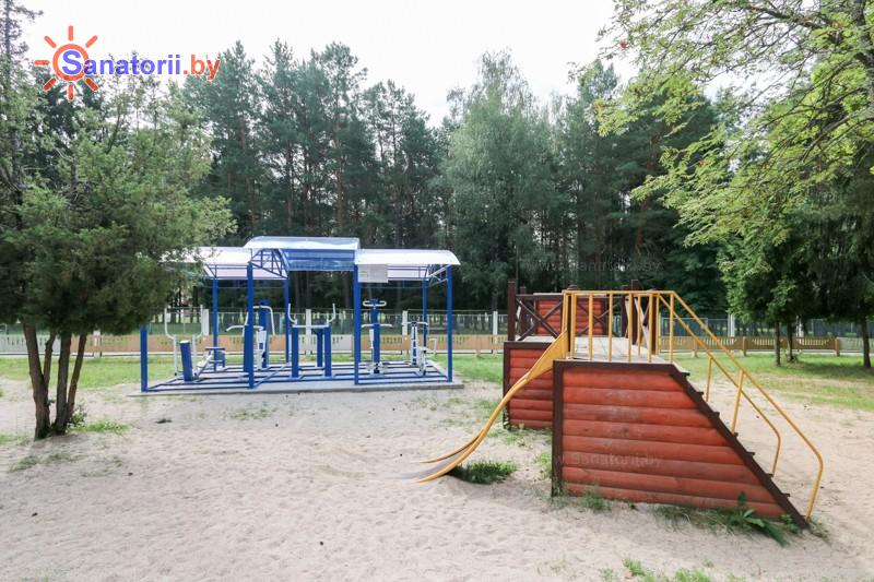 Санатории Белоруссии Беларуси - санаторий Чайка - Уличные тренажеры