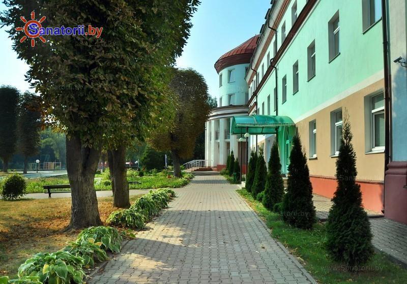 Санатории Белоруссии Беларуси - санаторий Белорусочка - Территория и природа