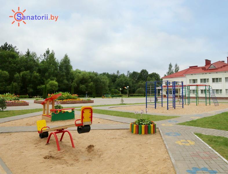 Санатории Белоруссии Беларуси - ДРОЦ Лесная поляна - Детская площадка