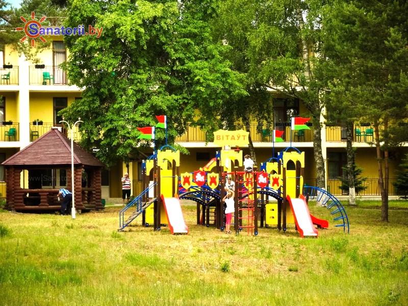 Санатории Белоруссии Беларуси - санаторий Нарочанский берег - Детская площадка