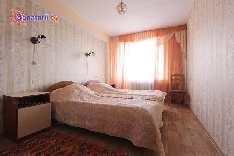 Санатории Белоруссии Беларуси - санаторий Пралеска - двухместный двухкомнатный стандарт (спальный корпус)