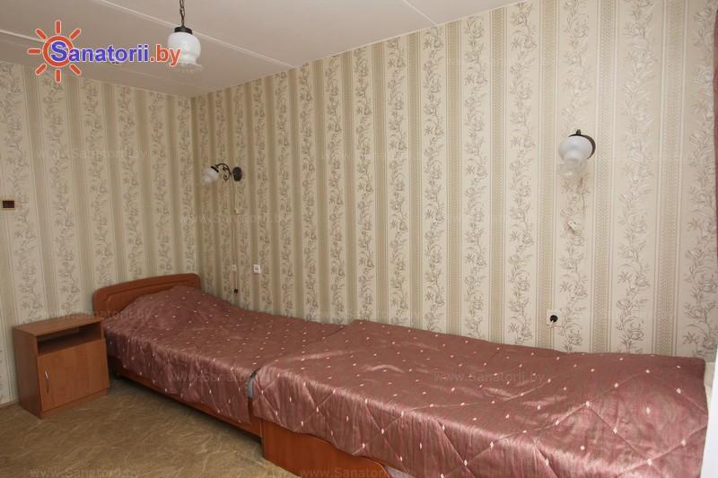 Санатории Белоруссии Беларуси - санаторий Пралеска - двухместный однокомнатный эконом (спальный корпус)