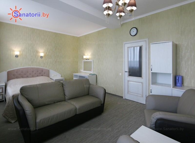Санатории Белоруссии Беларуси - санаторий Радон - одноместный однокомнатный люкс (основной корпус)
