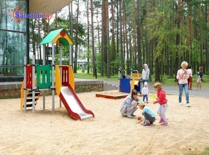 Санаторыі Беларусі - санаторый Сосны - Дзіцячая пляцоўка