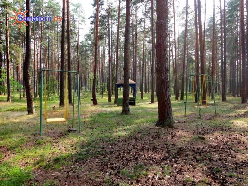 Санатории Белоруссии Беларуси - оздоровительный комплекс Белино - Детская площадка