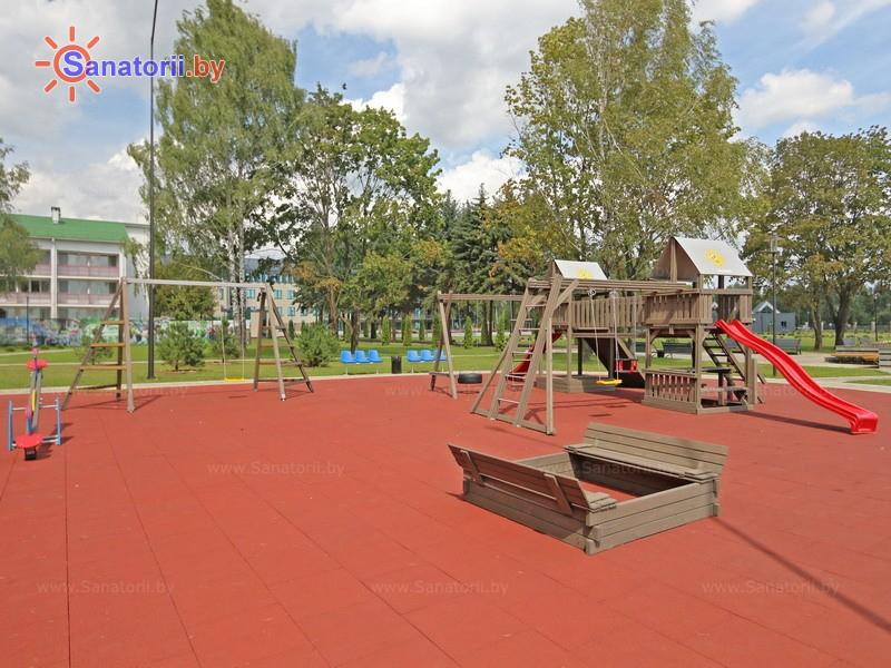 Санатории Белоруссии Беларуси - санаторий Березка - Детская площадка