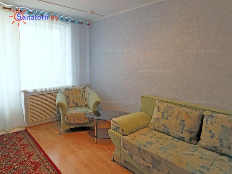 Санатории Белоруссии Беларуси - санаторий Машиностроитель - двухместный двухкомнатный / с кухней (спальный корпус №6)