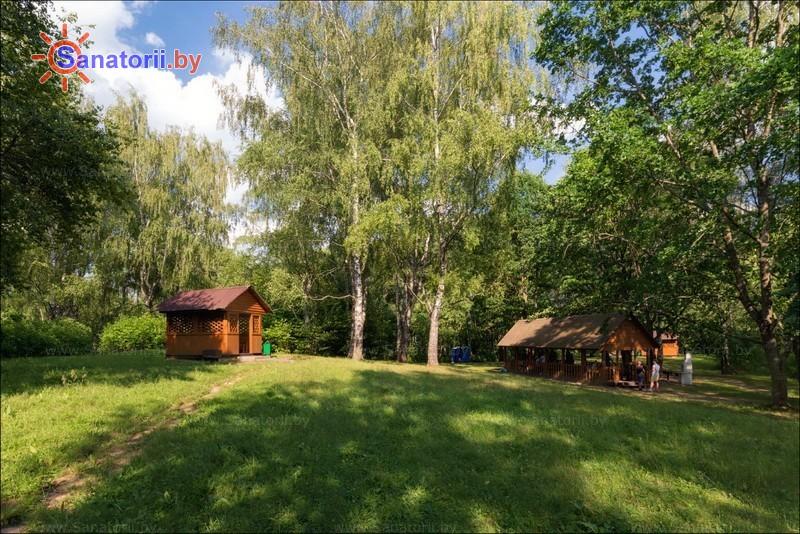 Санатории Белоруссии Беларуси - санаторий Юность - Площадка для шашлыков