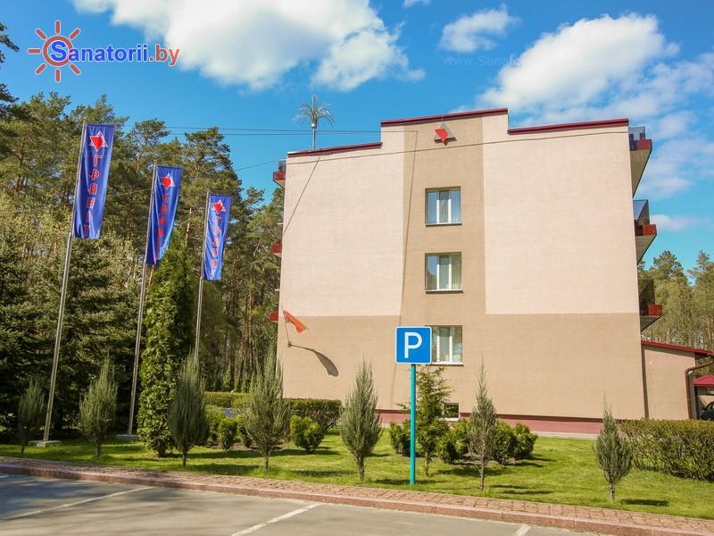 Санатории Белоруссии Беларуси - санаторий Свитанок - Автостоянка