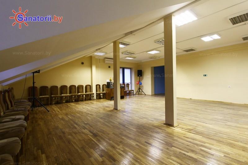 Санатории Белоруссии Беларуси - оздоровительный центр Дудинка - Танцевальный зал
