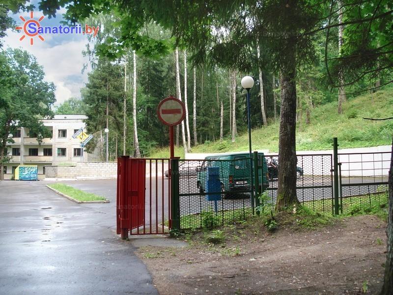 Санатории Белоруссии Беларуси - оздоровительный центр Дудинка - Парковка