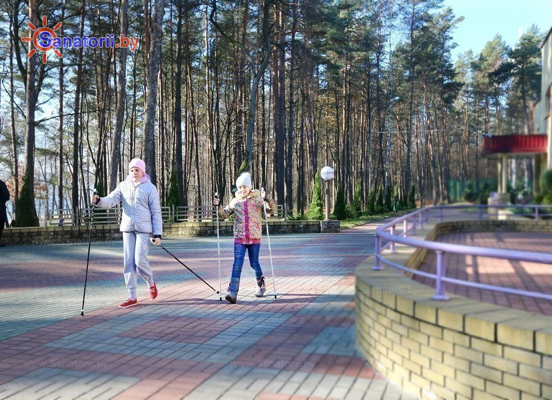 Санатории Белоруссии Беларуси - санаторий Свитязь - Ходьба скандинавская