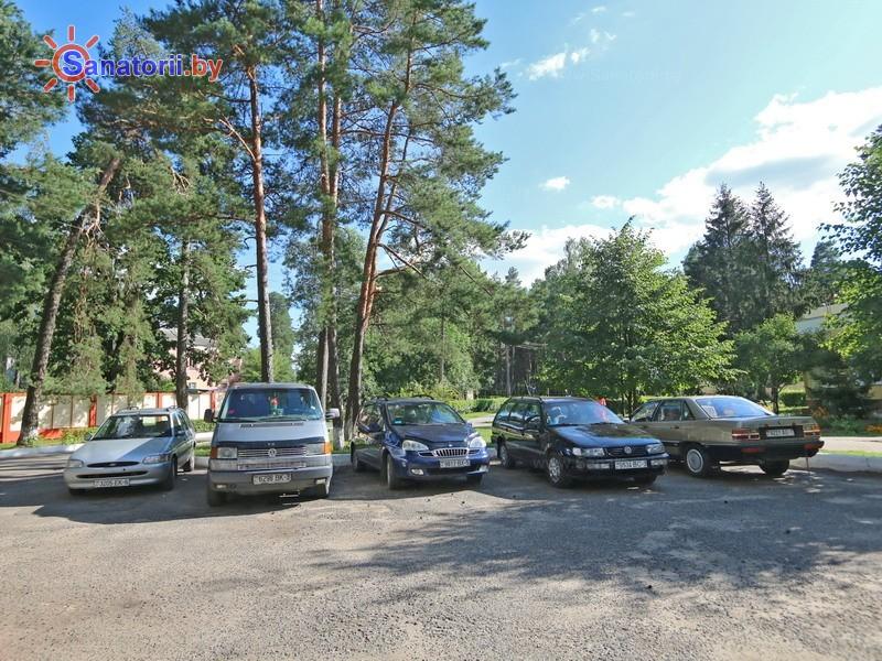 Санатории Белоруссии Беларуси - санаторий Березина-Борисов - Парковка