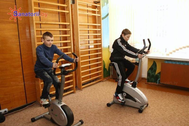 Санатории Белоруссии Беларуси - детский санаторий Академия здоровья - Тренажерный зал (механотерапия)