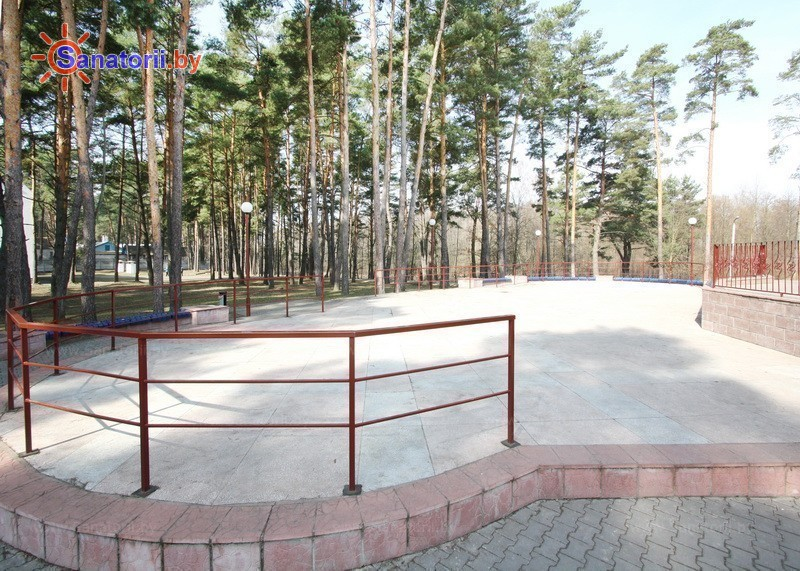 Санатории Белоруссии Беларуси - ДРОЦ Колос - Танцплощадка летняя