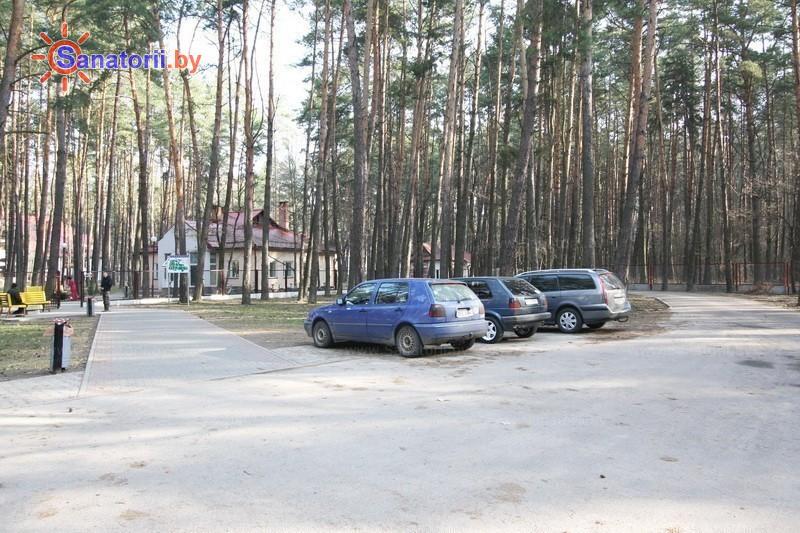 Санатории Белоруссии Беларуси - ДРОЦ Колос - Парковка