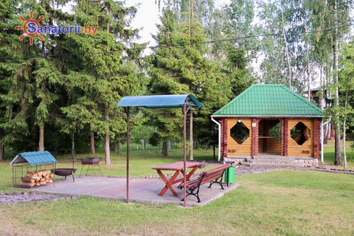 Санатории Белоруссии Беларуси - детский санаторий Росинка - Площадка для шашлыков
