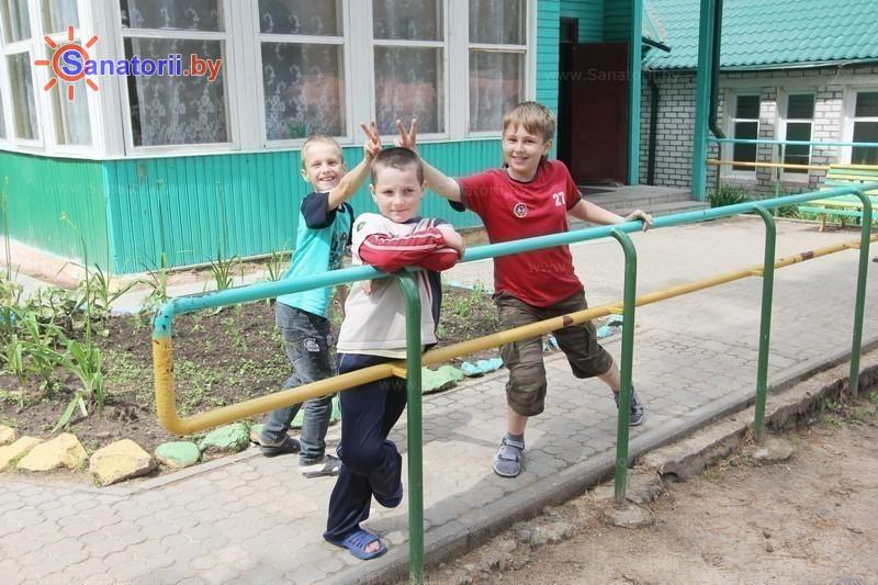 Санатории Белоруссии Беларуси - детский санаторий Налибокская пуща - Детские комнаты и площадки