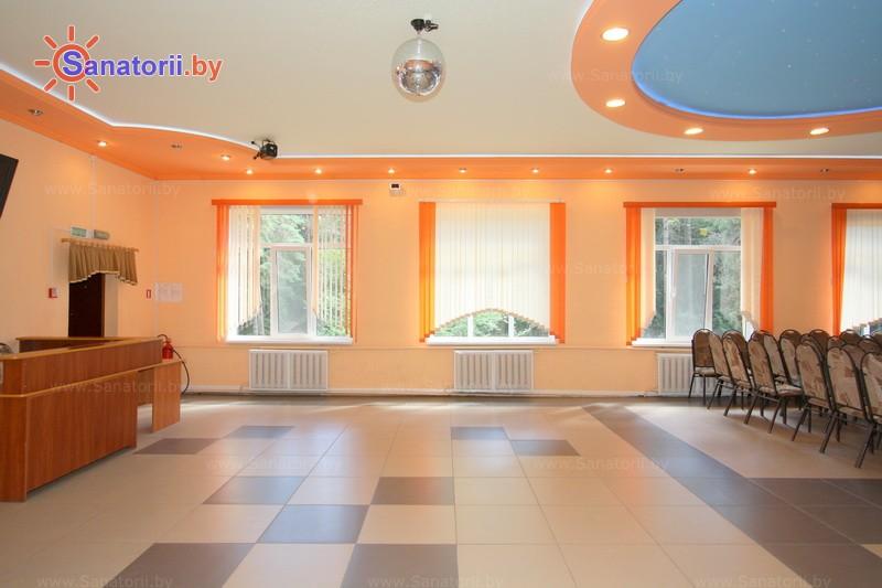 Санатории Белоруссии Беларуси - детский санаторий Налибокская пуща - Танцевальный зал