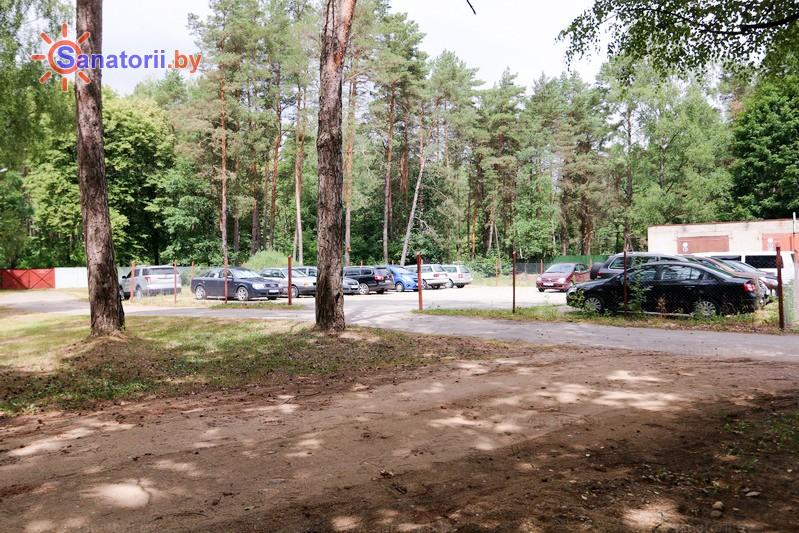 Санатории Белоруссии Беларуси - санаторий Неман-72 - Парковка